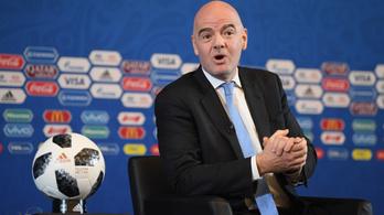 Újít a FIFA: mini futball-vb-t rendezne a legjobbaknak