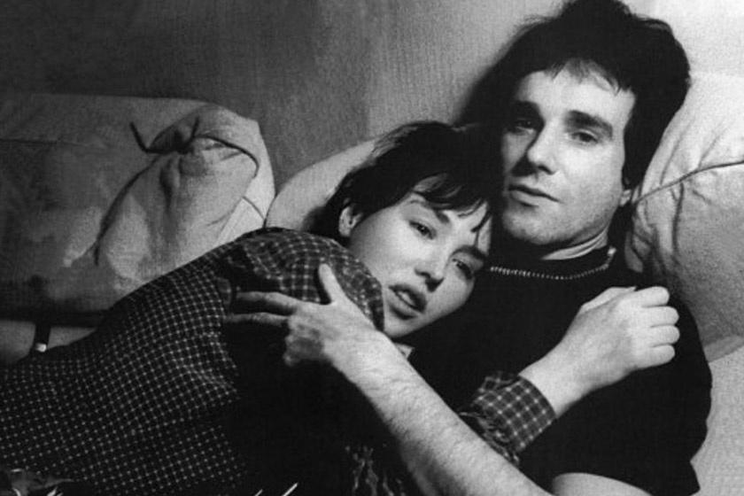 A háromszoros Oscar-díjas színész, Daniel Day-Lewis Isabelle Adjanival való, hat éven át tartó kapcsolatának faxon vetett véget 1995-ben. Tette mindezt röviddel azelőtt, hogy a gyönyörű, francia színésznő életet adott volna közös fiuknak, Gabriel Kane Day-Lewis-nak.
