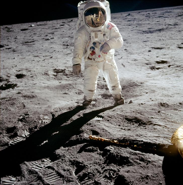 Buzz Aldrin a Holdon,