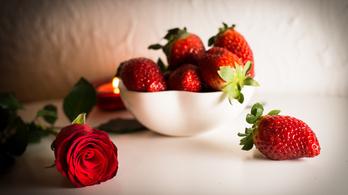 Közeli rokon a rózsa és az eper