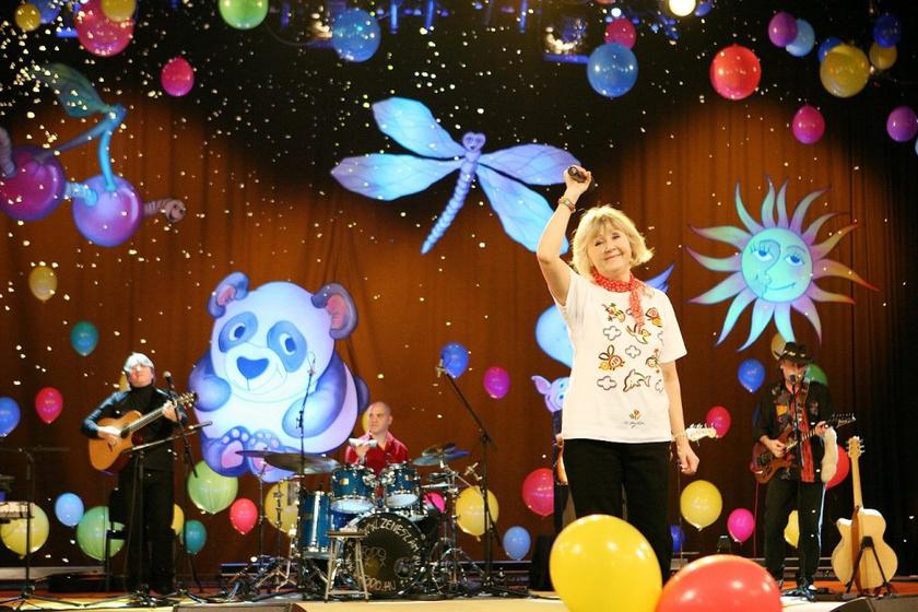Halász Judit ingyenes koncertet ad - Mutasd meg a gyerekednek, miért szeretted