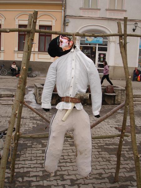 Avram Iancu felakasztott szalmabábúja