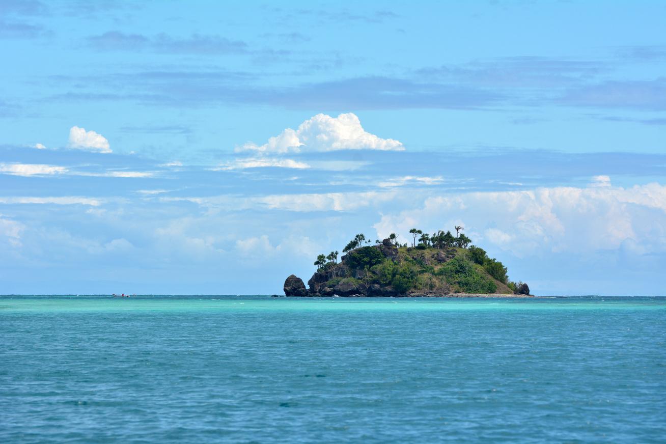 lakatlan sziget