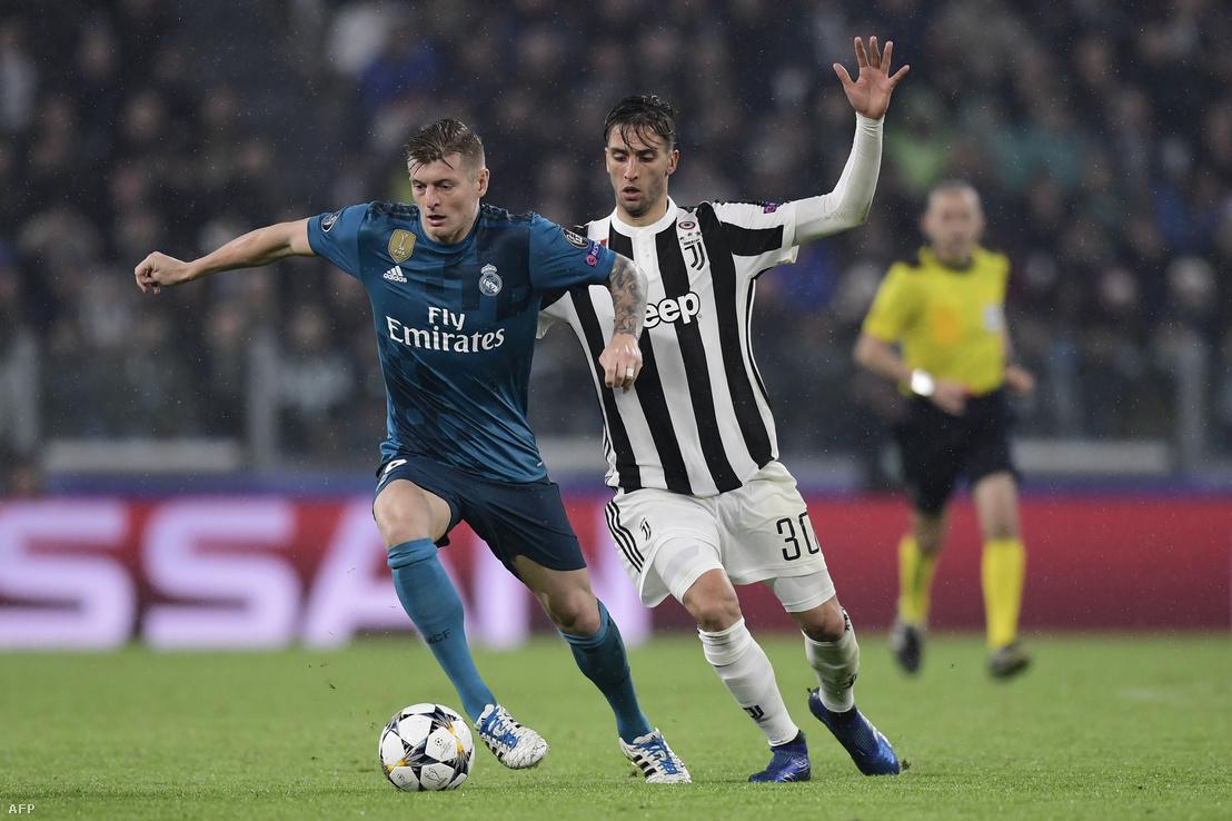 Toni Kroos és Rodrigo Bentacur a Juventus-Real-meccsen 2018. április 3-án
