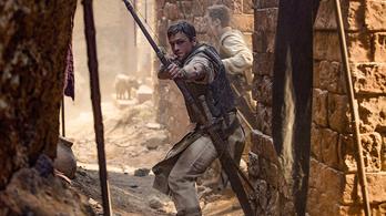 Kemény akciófilm lett a nálunk forgatott Robin Hood