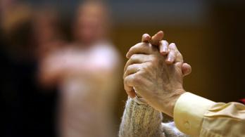 Az idős férfiak fele szexuálisan aktív, a nőknek harmada