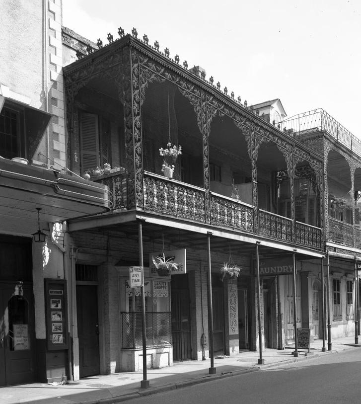 Épület a Royal Streeten