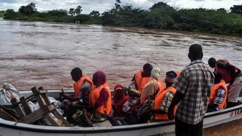 Százezrek veszítették el otthonukat a kenyai áradások miatt