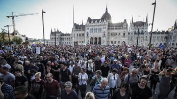 Kossuth téri kordon – kell-e félteni az alakuló ülést?