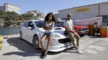 A Taxi 5 egyszerre erőszakolja meg a szériát, a Peugeot-t és a Black Eyed Peast