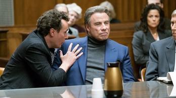 Travolta elég hitelesnek tűnik a Teflon Don szerepében