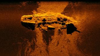 Angol hajóroncsokat találtak az eltűnt maláj utasszállító helyett
