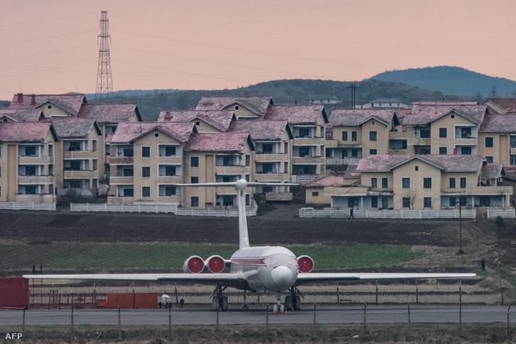 Az Air Koryo egyik gépe az észak-koreai főváros repülőterén