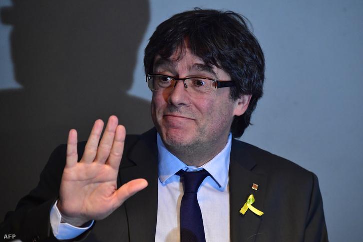 A katalán elnök egy áprilisi sajtótájékoztatón