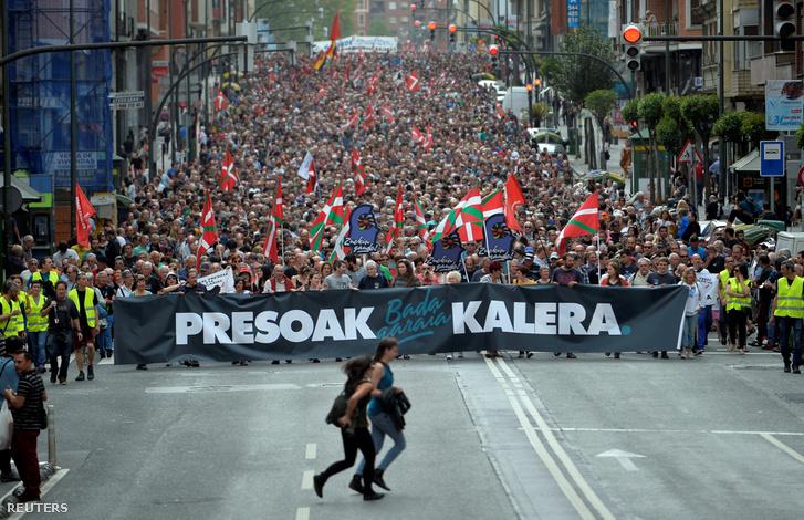 A bebörtönzött ETA-tagok azonnali szabadonengedését követelő tüntetés 2018. április 21-én, Bilbaoban