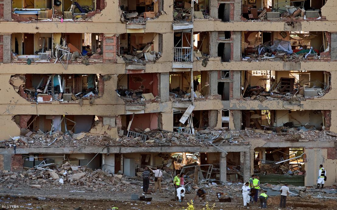 2009. július 29-én autóba rejtett bomba robbant Burgos városában, a polgárőrség laktanyájánál. Az ETA-hoz köthető robbanásban mintegy ötvenen sérültek meg.