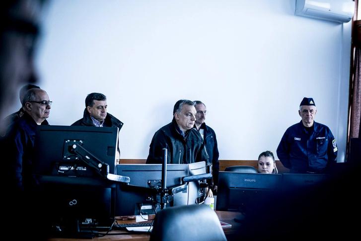 Orbán Viktor és Pintér Sándor megtekintik a határzárt, 2018. március 16-án