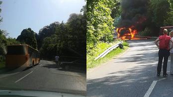 Teljesen kiégett a helyközi busz Pomáznál