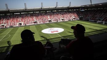 Kifütyülték a miskolci polgármestert a stadionavatón