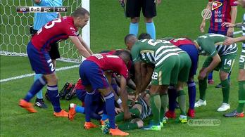 Ijesztő ütközés után elájult, hordágyon vitték el a Fradi védőjét