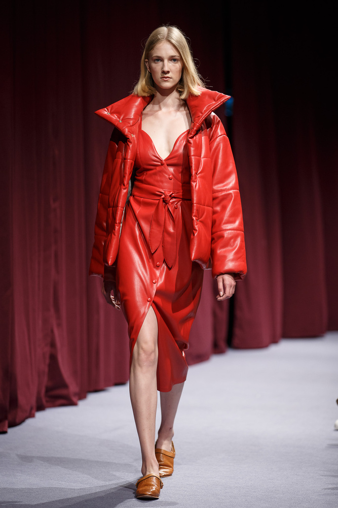 Több magyar tervező, köztük a Nanushka szerint is divat lesz a piros az év második felében.