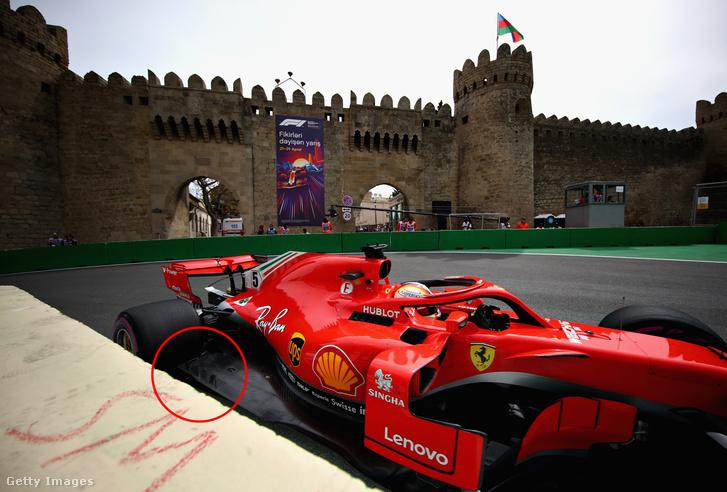 A terelőkkel ellátott Ferrari-padlólemez Bakuban