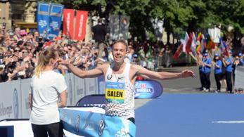 Óriási idővel nyert, hányásig futotta magát az amerikai maratonista