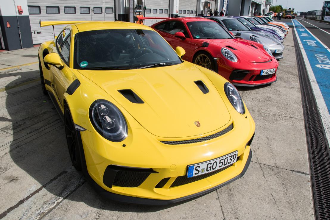 Az RS a Rennsport (versenysport) rövidítése