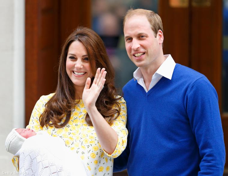 Aztán 2015 májusában megérkezett Sarolta hercegnő is.