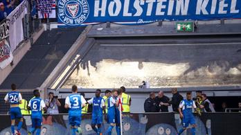 Nincs edzője, se stadionja, de mindjárt a Bundesligába jut a Kiel