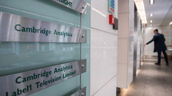 Mérföldkő a Cambridge Analytica-botrányban: ki kell adni az amerikai szavazók adatait
