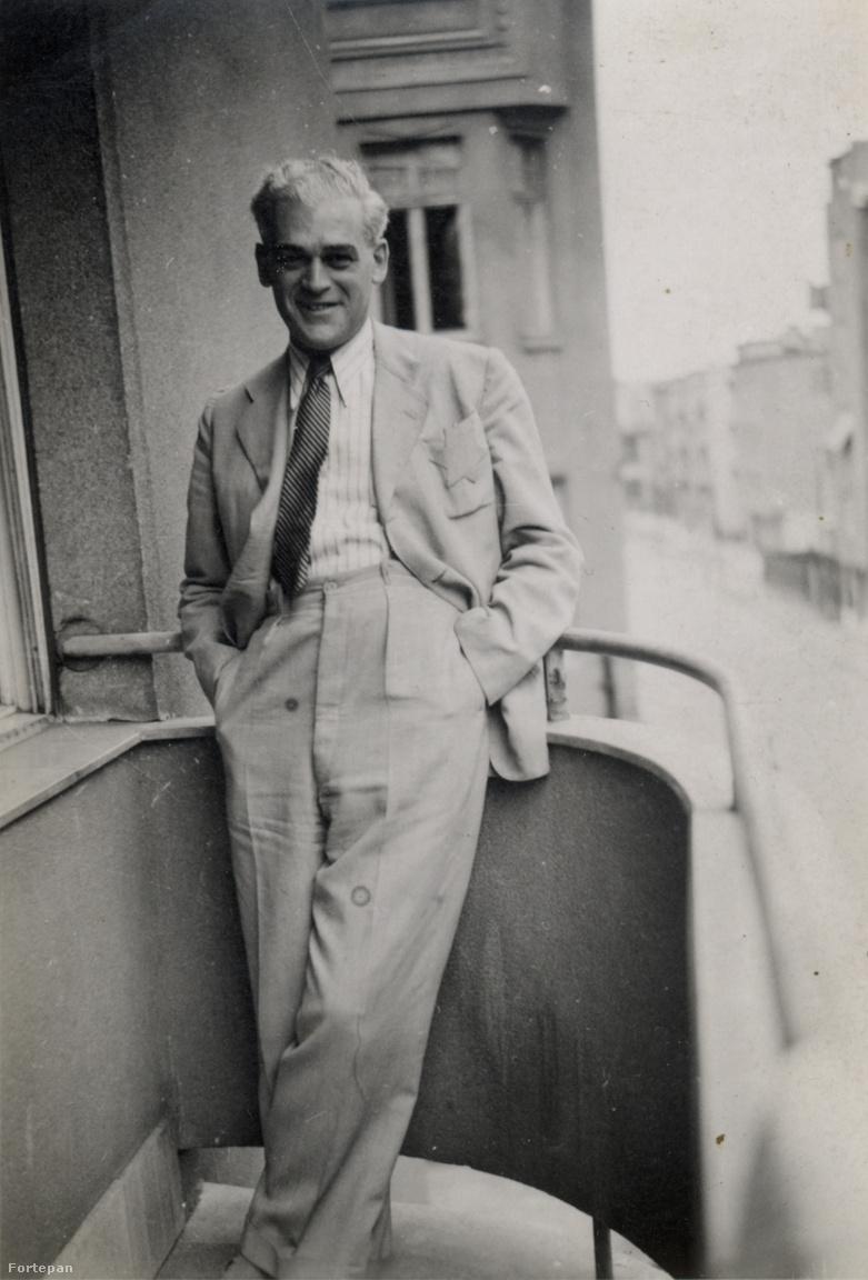 """Egy úr a pokol erkélyén is úr. Szilárd Andor a csillagos zakót is egy filmszínész eleganciájával viselte.A második munkaszolgálatból nem jött vissza. Hogy megjárta Mauthausent, majd Bergen-Belsent, csak 1945 augusztusi hazatérte után derült ki – mindaddig nem érkeztek hírek róla. A tábor felszabadulása után írt naplója tele van a szerettei utáni vágyakozással és a jövő múlton való győzni akarásával: """"...haza, haza! Hozzátok drágáim, akik talán már nem is hiszitek, hogy én a gyenge fizikumú öreg apu át tudtam verekedni magam minden poklon, pedig különbek voltak, mint amit Dante leírt.""""                         Vera, Tamás és a mamájuk 1945 nyarát rokonoknál töltötték Nagyváradon. Itt csöngetett be egy napon a harmincnyolc kilós Szilárd Andor. """"Te anyu, gyere csak"""" – mondta az ajtót nyitó Vera. A mama jött, aztán sarkon fordult, bement a szobába és leült. Hamarosan visszatértek Pestre, ahol hatvan évig ugyanabban az egykor a Kraszner család tulajdonában álló Thököly úti villában éltek. Szilárd Andor 1968-ban halt meg,  felesége 1980"""