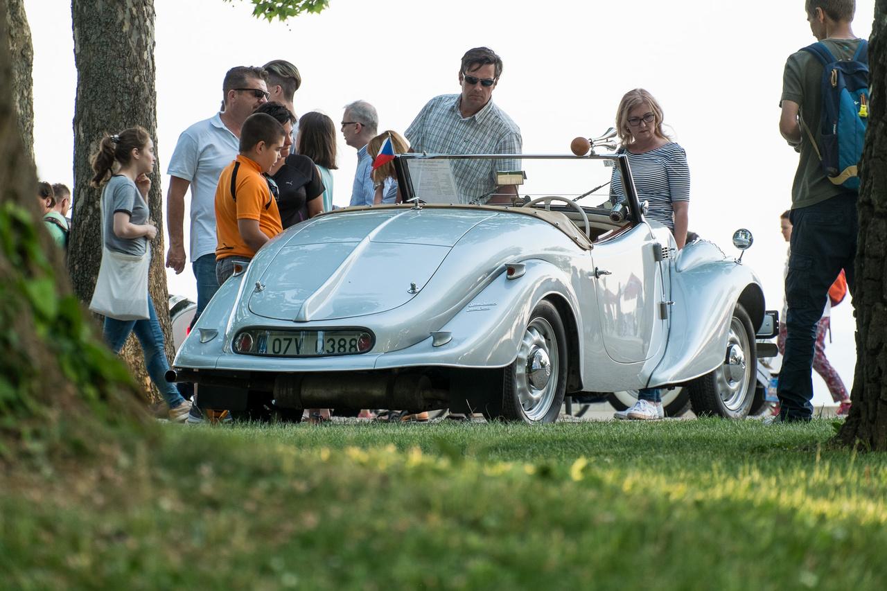 Még mindig a Skoda Popular Monte Carlo De Luxe: a nevét onnan kapta, hogy egy ilyen autó lett a második az 1936-os Monte Carlo-ralin.