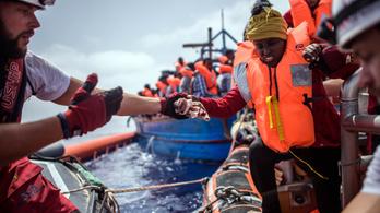 Rabszolgaságról beszámoló túlélők fúrhatják meg az olasz-líbiai megállapodást