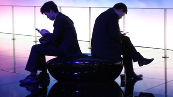 A Google felelősséget vállal a mobilfüggőségért