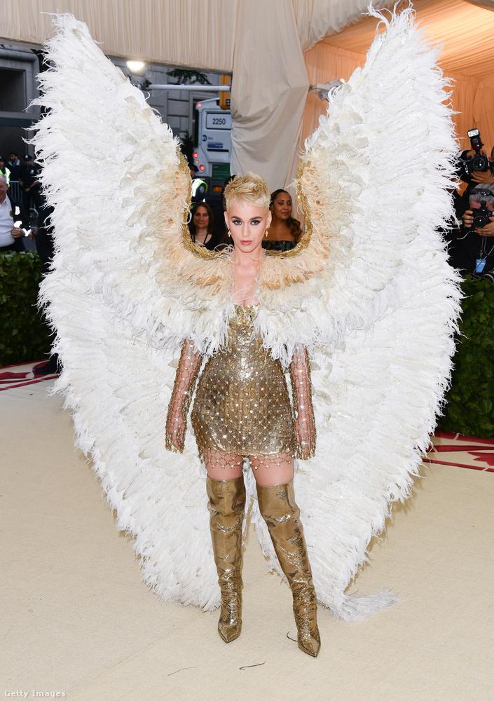 Katy Perry nem Szűz Mária volt, hanem angyal