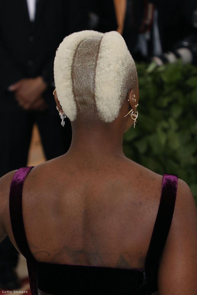 Ilyen volt hátul Cynthia Ervo frizurája