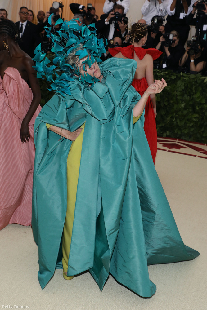 A frissen oscardíjas Frances McDormand viszont mintha kicsit meghibbant volna