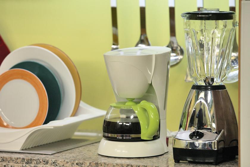 Milyen gyakran kell tisztítani a kávéfőzőt? Tele van baktériumokkal, mégis kevesen figyelnek rá