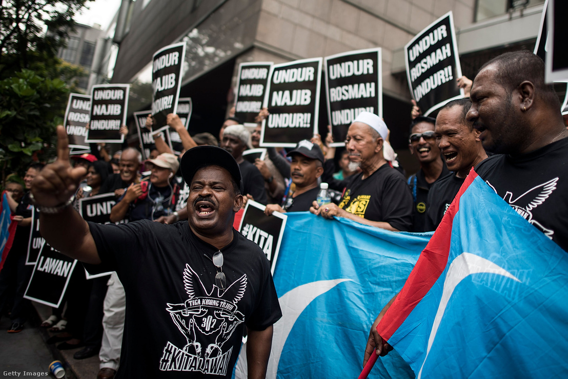 Anwar Ibrahim támogatói tüntetnek Kuala Lumpurban 2015-ben