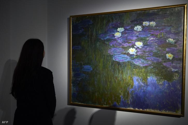 Claude Monet: Nympheas en fleur című képe az aukciót megelőző kiállításon