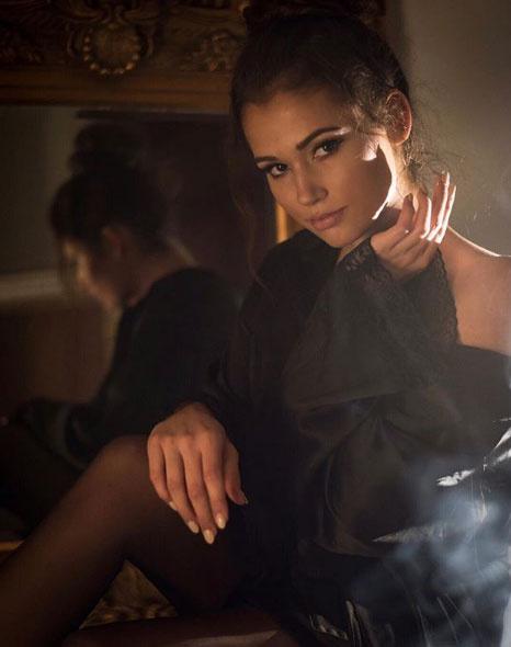 Galambos Lajcsi lánya, a 19 éves Boglárka igézően szép nő lett.