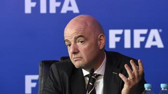 Huszonötmilliárd dollárral felforgatják a világ futballját
