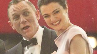 Daniel Craig lehajolt az apróért: megint James Bond lesz