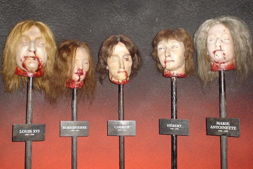 A múzeumokban ma is megtekinthető a levágott fejek mása.