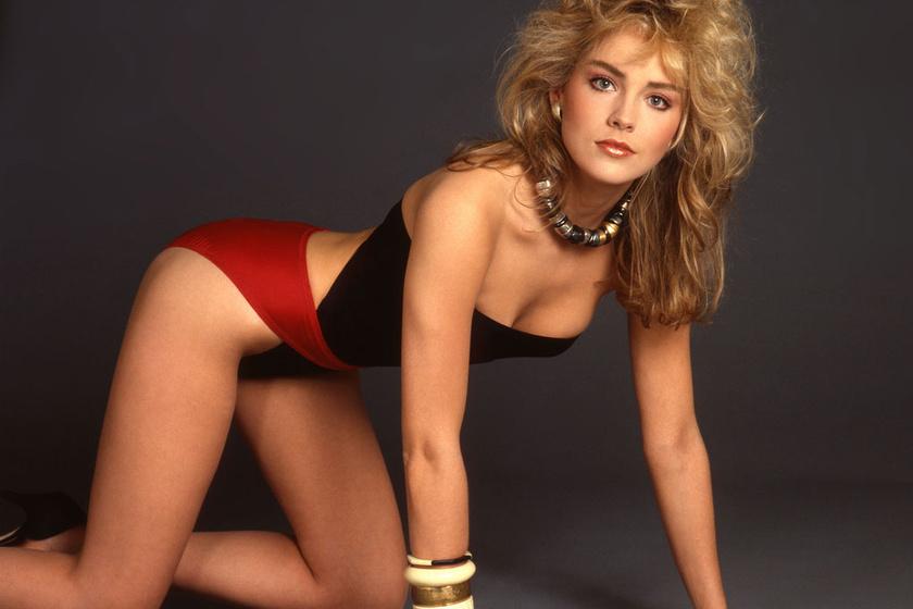 Sharon Stone-ról a húszas éveiben ehhez hasonló szexi felvételek készültek.