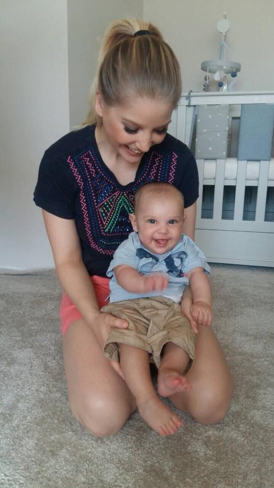 Szabó Zsófi kisfia, Mendel napról napra egyre tündéribb. A kisfiú május 4-én lett öt hónapos.