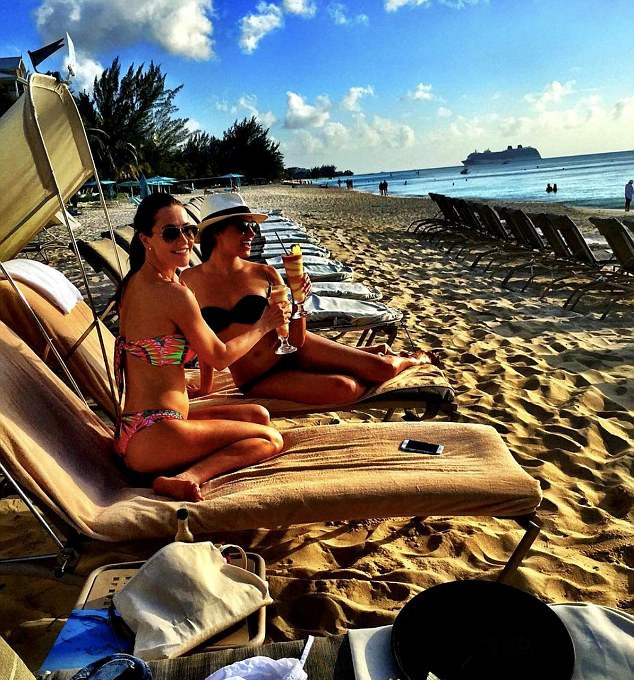 Meghan és Jessica az Amalfi-parton nyaraltak együtt 2016 augusztusában.