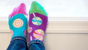 Hová tűnnek el a fél pár zoknik? És hogy? És miért?