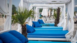 Különbséget tudsz tenni a Lupa-tó és a mediterrán partok között?